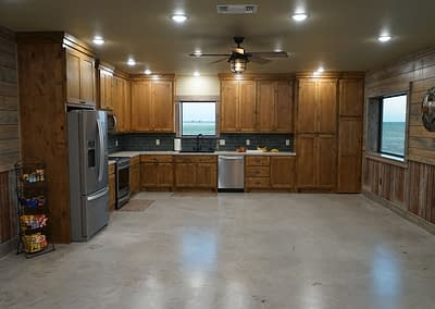 barndominium-kitchen-lubbock-front