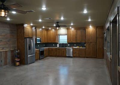 barndominium-kitchen-lubbock-whole-room