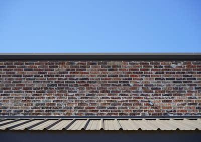 commercial-metal-building-lubbock-top-brick