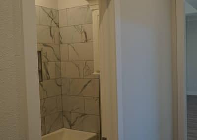 lubbock-baconcrest-new-home-hallway-