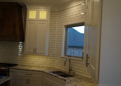 lubbock-baconcrest-new-home-kitchen-tile