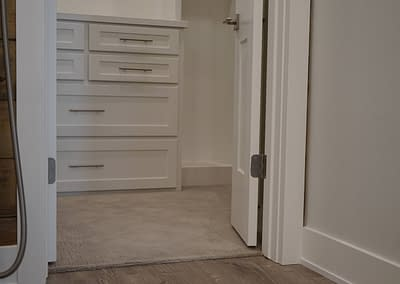 lubbock-baconcrest-new-home-master-closet-4